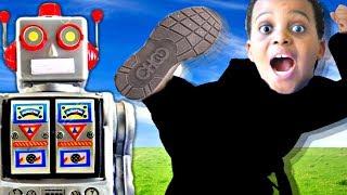 SCARY ROBOT vs Shiloh And Shasha - Twin Robots GONE WRONG! - Onyx Kids
