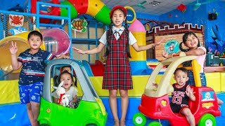 Kids Go To School | Chuns With Best Friends Play In Ball Garden City Toys Children