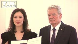 Tränen: Bundesverdienstkreuz für Sibel Kekilli und Nazan Eckes