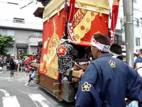 平成22年5月4日 亀崎� �干祭 花王車 曲げ場