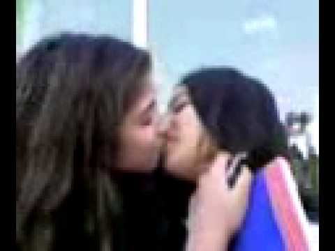 Xxx Mp4 Girls Kissing 3gp 3gp Sex