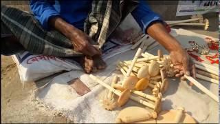 বিকল্প আয়ের উৎস্য: পথের পাশে কারুশিল্প