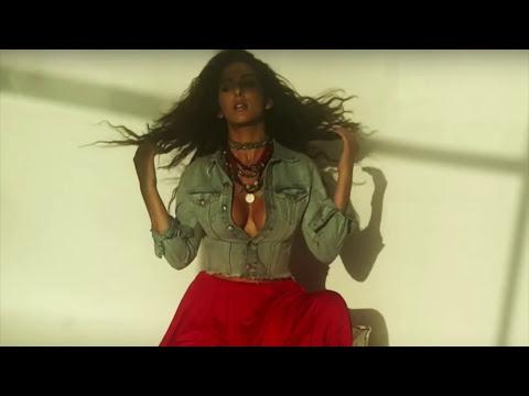 Actress Sameksha Showing her hot Nipple while Photoshoot