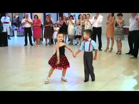 Niños Bailando Kids Dancing