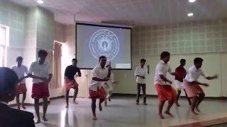 FUNNY  DANCE --MIZHI AZAKU NIRAYUM RADHA
