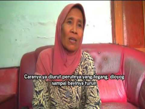 Oyog, Goyangan Lembut Jemari Dukun Bayi; Film Seri Riset Etnografi Kesehatan Tahun 2014