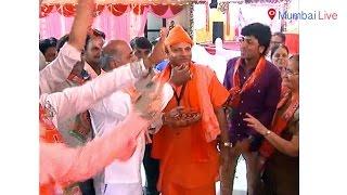 Followers of Yogi Adityanath celebrate in Mumbai | Mumbai Live