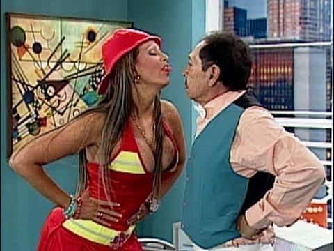 A Que Te Ríes Navarrete y su secretaria Sabrina vestida de bombera