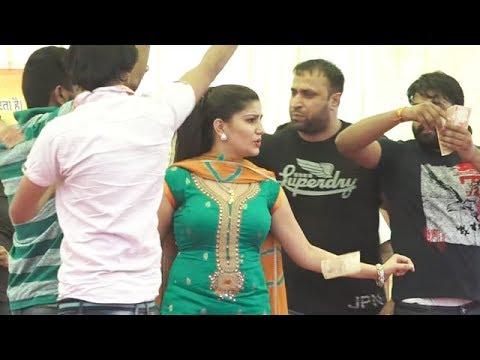 Xxx Mp4 सपना चौधरी के बाउंसर ने क्यों की पब्लिक की पिटाई सपना को होना पड़ा शर्मिन्दा Sapna Dance 2017 3gp Sex