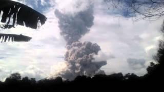 Ledakan terdasyat gunung sinabung