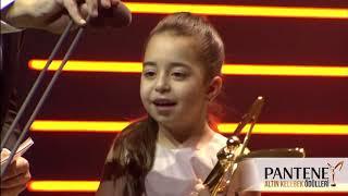 Cansu Dere & Beren Gökyıldız Pantene Altın Kelebek جانسو ديري - الفراشة الذهبية