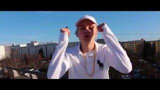 Junkie - Hustensaft Jüngling ft. Medikamenten Manfred (Offizielles Musikvideo)