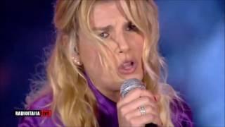 Emma Io di te non ho paura al RadioItaliaLive Il concerto in Piazza Duomo a Milano