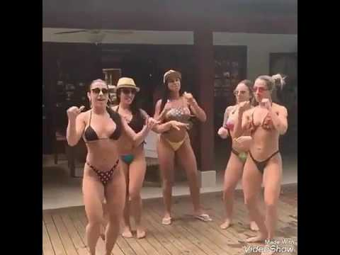 Xxx Mp4 Gostosas Dançando Deu Onda Na Beira Da Piscina 3gp Sex