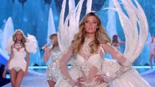 Taylor Swift - The Victoria's Secret Fashion Show 2013