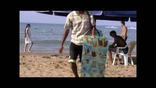 Les vendeurs a la plage de Saidia [HD]