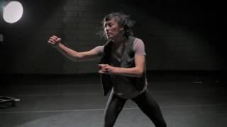 Gravity of Center (Emmanuelle Lê Phan) - RUBBERBANDance Group