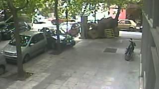 Unbelievable woman driver   Crazy car 4min)