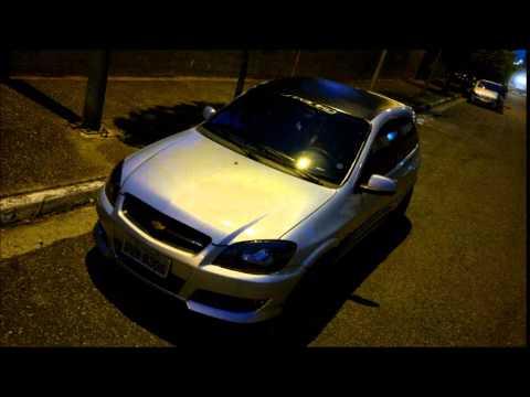 Chevrolet Celta VHC Prata com Modificações.