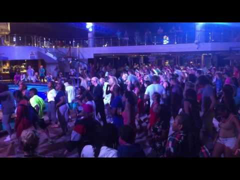 Carnival Glory Mega Deck Party with Saffie & Marshmallow