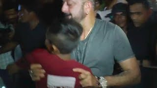 DRUNK Sanjay Dutt THROWS a young boy in ANGER | SHOCKING VIDEO