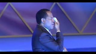Pastor Chris Oyakhilome Prophetic Message With Tears  - 2015