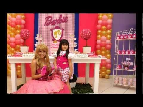 Victoria em Barbie Escola de Princesas