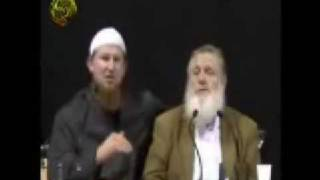 6 Live Shahadas with Sheikh Yusuf Estes & Pierre Vogel ( 1 of 2 )