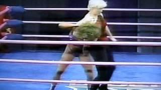 Tina Ferrari vs. Ninotchka (1st. Match for The GLOW Crown)