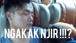 Lucu pas tidur di dalam bus - pokok gak nyesel