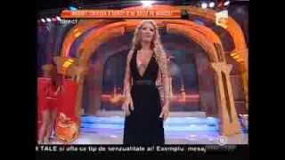 Loredana Chivu, fără lenjerie intimă în platoul Un show păcătos!