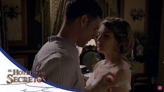 ¡Isabel y Julio se entregan! - El Hotel de los Secretos*