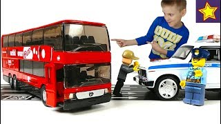 Двухэтажный Автобус Мерседес Полиция ловит угонщиков на Автобусе Toy Car