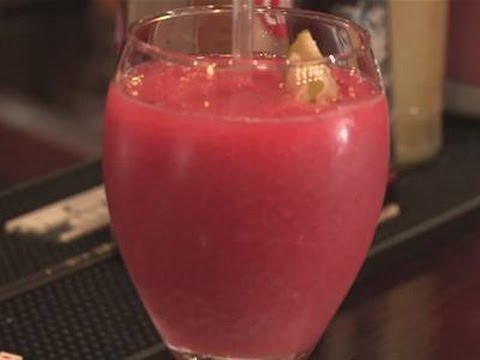 How to make your own strawberry daiquiri slush
