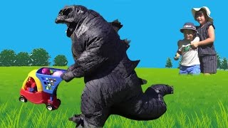 ゴジラ たまご 発見!!! こうくんねみちゃん Godzilla Surprise Egg Piaymobil