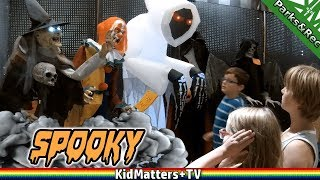 Scary Costume Shopping Spirit Halloween Store | Animatronics, Scary Decorations[KM+Parks&Rec S02E05]