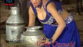 Dhood Makkhna Di Pali - Aruj Qureshi - Hot Mujra