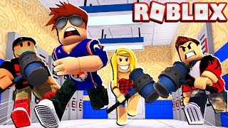 I INVITED FANS To TRY & BEAT ME In Roblox FLEE THE FACILITY!