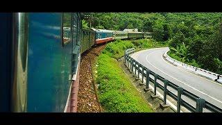 CATCHING THE TRAIN FROM HANOI TO SAPA - VLOGGING IN VIETNAM