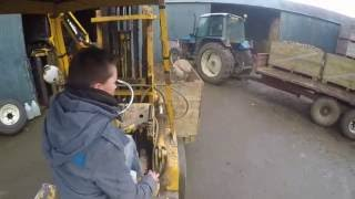 Digging Potatoes 2016 | Unloading Boxes