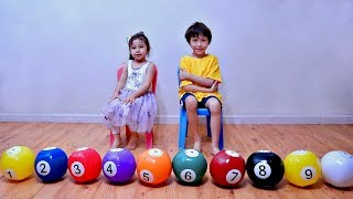 Learn Numbers and Counting with Inflatable Toy Ball for Children
