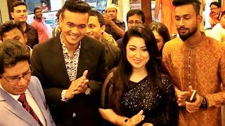 Cricketer Taskin Ahmed & Apu Biswas both Together in CIANO