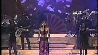 Laura flores - te felicito (en vivo furia musical)