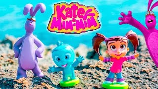 KATE AND MIM MIM Disney Kate and Mim Mim visit Hawaii Toy Unboxing Video
