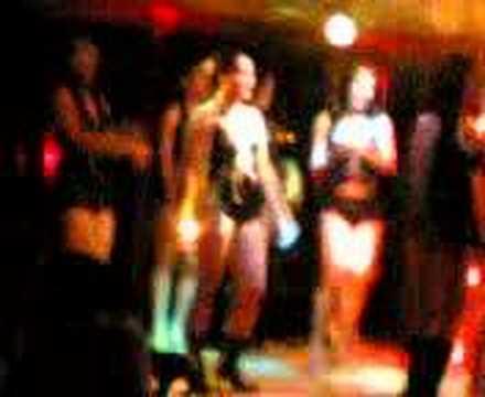 Hot Pinay On the Dance Floor