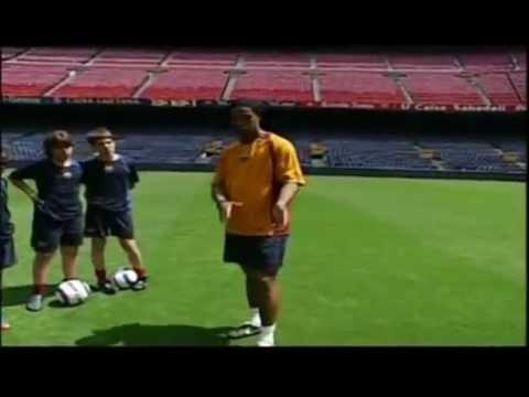 Ronaldinho te da consejos de Dribling fintas y amagues Parte 2 de 2