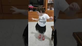 شاوي ومني شاوي رقص ميريم 😍😍😍😍