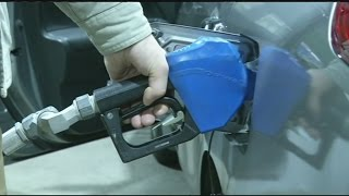 Hold-open clips coming back to Mass. gas nozzles