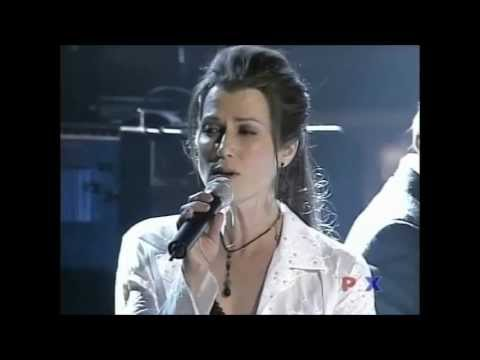 Download Amy Grant, Michael W Smith sing Friends at 34th Dove Awards 2003