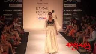 LFW Winter/Festive 2012 | Nandita & Anuradha Thirani presented an ethereal collection